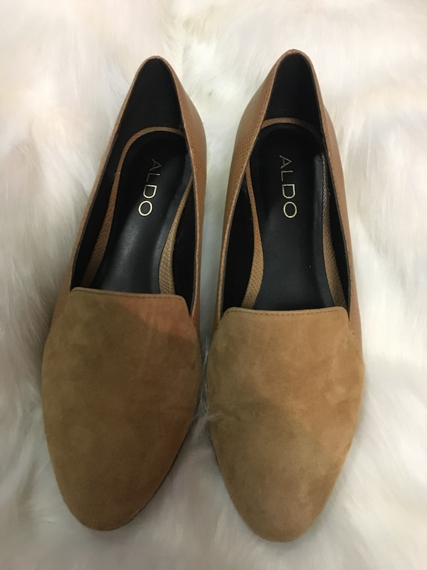 Brown Suede Size 6.5 Flats