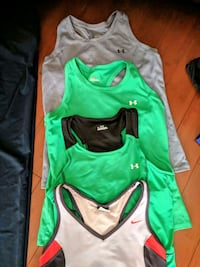Women's size medium workout tops and bottoms Thornton