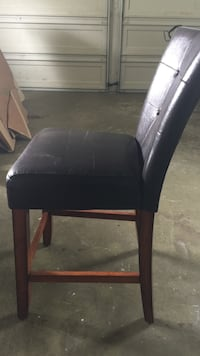 Black wooden framed black leather padded chair Kent, 98031