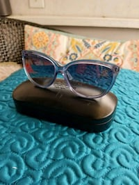 COACH sunglasses w case