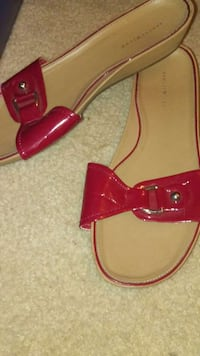 pair of red and white sandals Scottsville, 42164