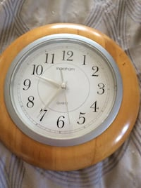 round brown wooden framed analog wall clock Laval, H7R 5Y5