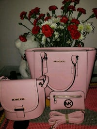 white and pink leather crossbody bag 20 mi