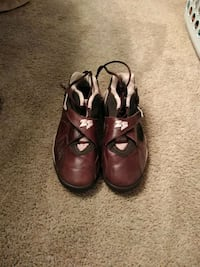 pair of brown leather shoes Manassas