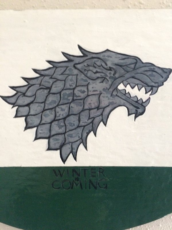 House Stark - Game of thrones Hand carved and painted ! 4ea7d735-3654-4cbf-99b2-26158f6eeaca