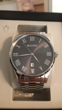 round silver-colored Nixon analog watch with link bracelet Manchester, 03103