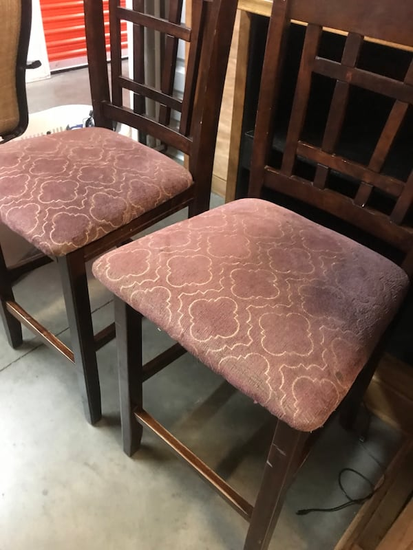 Counter height bar stools 4 total 2
