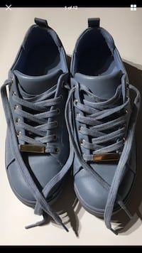 Aldo Authentic Baby Blue Leather Glistening Gold Plated Shoes SIZE US 6.5  London, N6G 2Y8