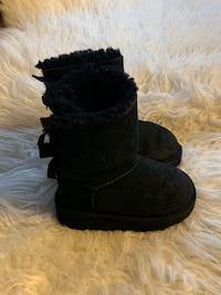 BABY UGGS PERFECT FOR THIS SEASON SIZE 6 Fort Washington