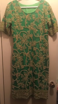Size 8, Green and Gold party dress Toronto, M9W 3X1