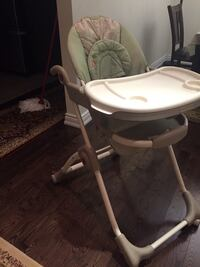 baby's white and gray high chair Toronto, M4H 1K3