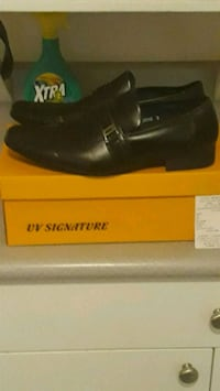mens uv signature dress shoes worn once box and recipt Surrey, V3S 0Y7