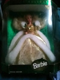 1994 Collectors Christmas Barbie Doll Daly City
