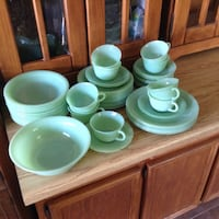 Old set Fire King dishes 41 pieces 75.$ Saint-Jérôme, J7Z 1Y9