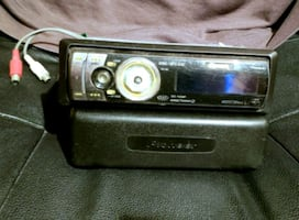 Pioneer Premier CD Player & remote with XM & ipod player adapters