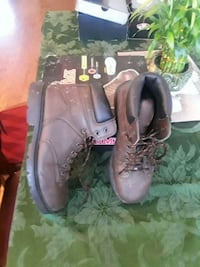 pair of brown leather work boots Tracy, 95377
