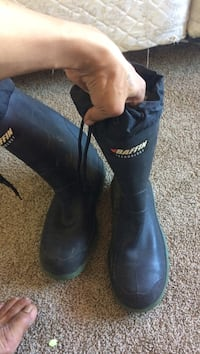 Pair of black leather boots Victoria, V9A 2N9