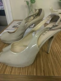 Guess high heels size 7.5-8 Vancouver, V5P 2W9