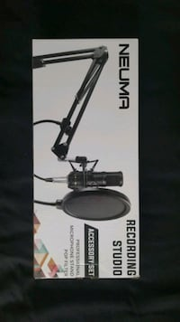 Microphone Stand and Pop Filter