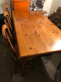 Pine table and 6 chairs  Toronto