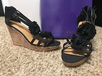 Madden Frilly black flower wedges