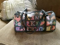Dooney Bourke nice purse Akron, 44312