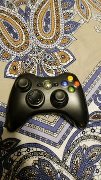 black Xbox 360 game controller Vaughan, L6A 4M6