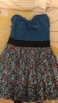 Women's blue floral dress. Size large Ashburn, 20148