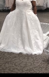 Wedding dress South Bend, 46635
