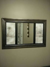 Decorative mirror Kitchener, Ontario, N2P 2T7