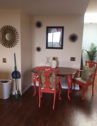 Table and chair set can be sold separatley Virginia Beach, 23451