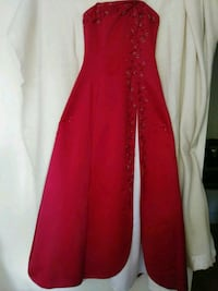 Evening dress, being used just once, S Toronto, M4G 2G6