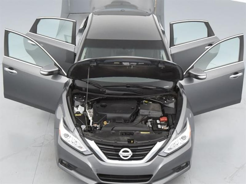 2018 *Nissan* *Altima* 2.5 SL Sedan 4D sedan Gray 3