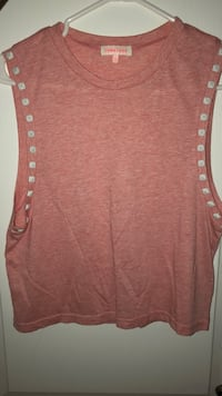 Women's pink  sleeveless top with studs  Montréal, H2S 2P7