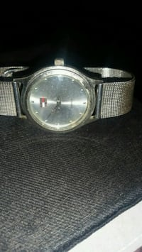Silver mesh tone tommy hill fewer watch, quartz Rutherford, 07070
