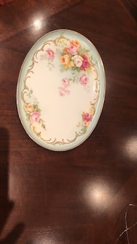 white and pink floral ceramic plate 542 km
