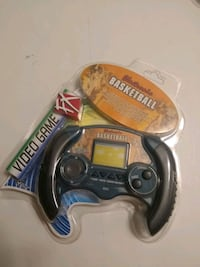 Electronic BASKETBALL Handheld Video Game Toy Quest