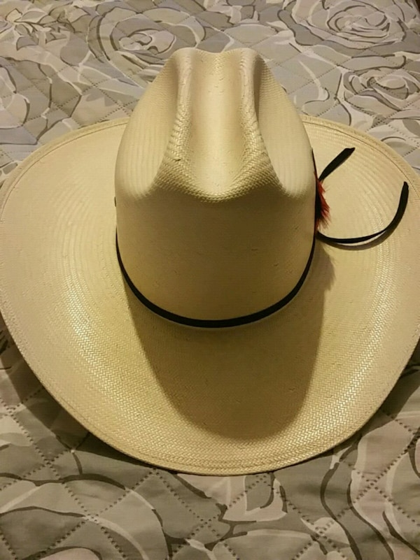 Used white and black leather bucket hat for sale in Dallas - letgo a987eae4e0eb