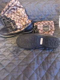 Coach snow boots Westport, 06880