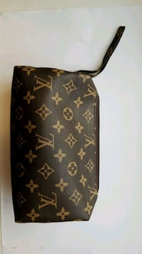 LV Louis Vuitton Makeup Storage Bag  Vancouver, V5P 3Y7