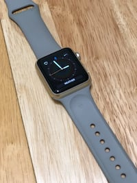 Apple Watch Sport, 38mm gold, excellent condition! Marina Del Rey, 90292