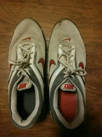 red and white nike shoes size 13 Lubbock, 79414
