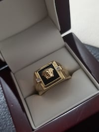 Brand New 10k Yellow Gold Medusa Ring Burnaby