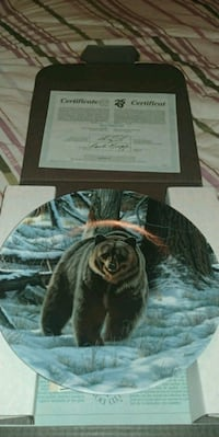 THE GRIZZLY BEAR COLLECTOR PLATE (in box) Tillsonburg, N4G 1C2