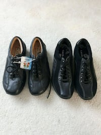 2 new pairs women's casual shoes Georgetown, L7G 4S4