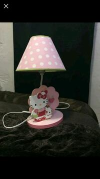 white and pink Hello Kitty table lamp Miami, 33127