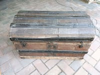 Antique wooden chest West Kelowna, V1Z 2X6