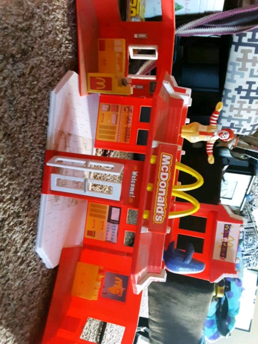 Photo 1993 mcdonalds toy. Collectible. 20.00. Goes for 40 on ebay