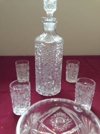 Lead crystal liquor bottle and shot glasses. Toronto, M8V 2Z5
