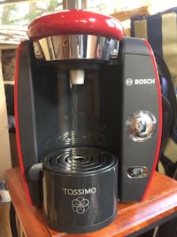 Bosch Tassimo coffee maker. Whitby, L1N 5B5